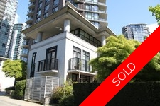 Yaletown Townhouse for sale: Two Park West 3 bedroom Stainless Steel Appliances, Granite Countertop, Hardwood Floors 2,269 sq.ft.